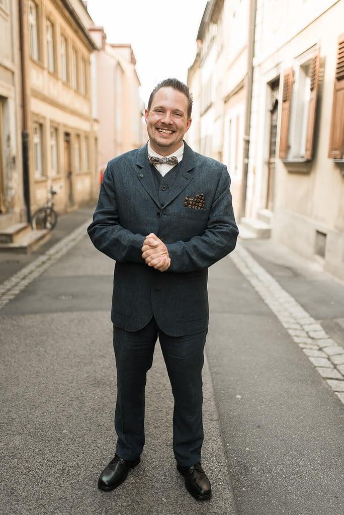 Bräutigam mit Anzug von Bube und König aus Nürnberg