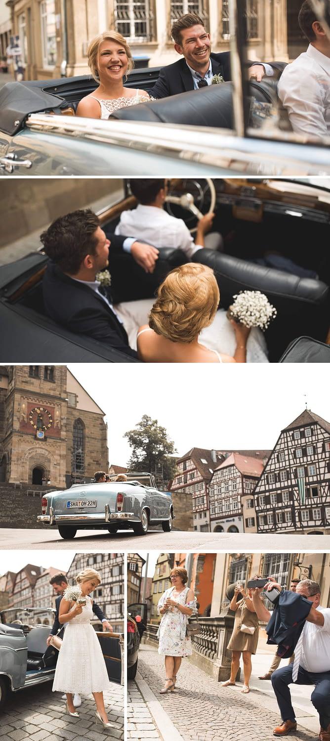 Hochzeit im Rathaus im Standesamt von Schwäbisch Hall mit Mercedes Oldtimer auf dem Marktplatz