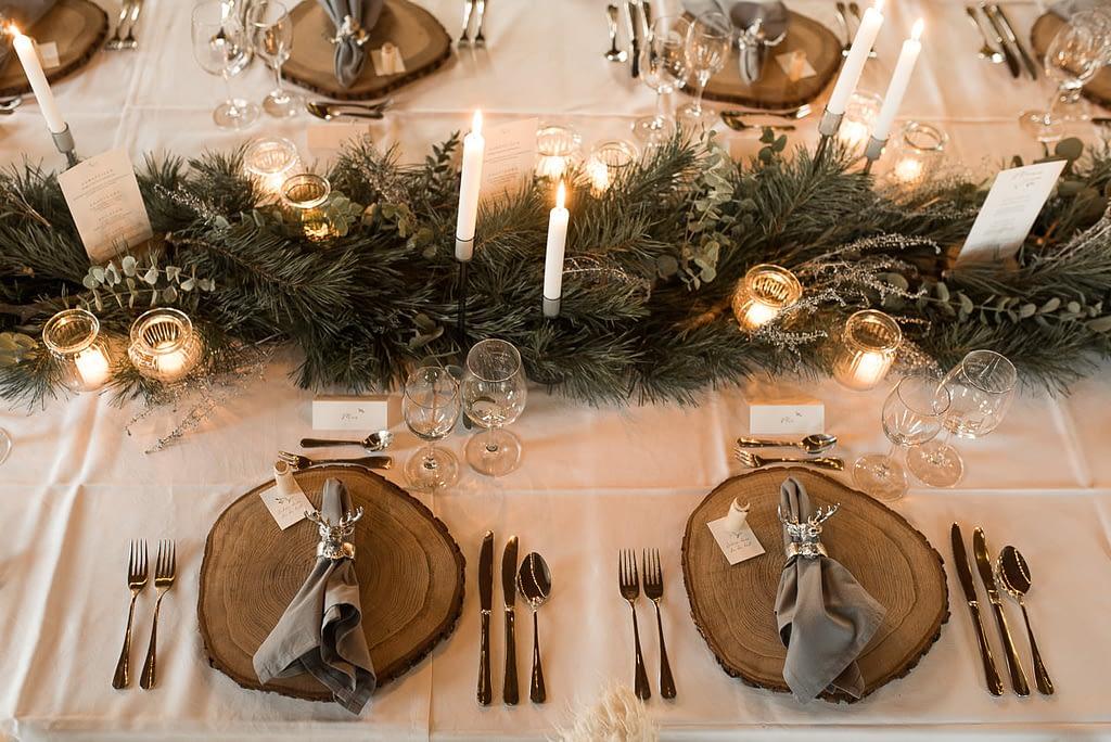 Winterliche Tischdeko bei Hochzeit in Schwäbisch Hall auf dem Einkorn im Gasthaus zur Winterhochzeit